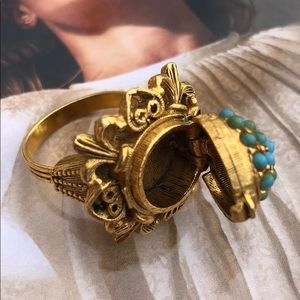 Jewelry - VINTAGE COSTUME Cocktail Ring w/ turquoise beads
